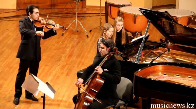 Геза Хосзу Легоцки, скрипка и Дэвид Пиа, виолончель, швейцария