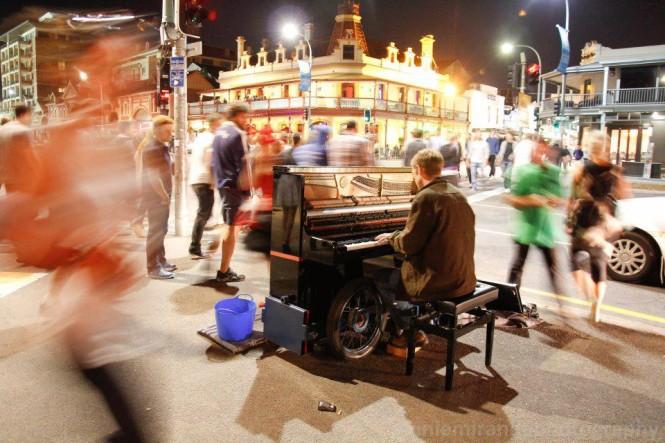фортепиано на улице | busking pianist Piter Hacquoil
