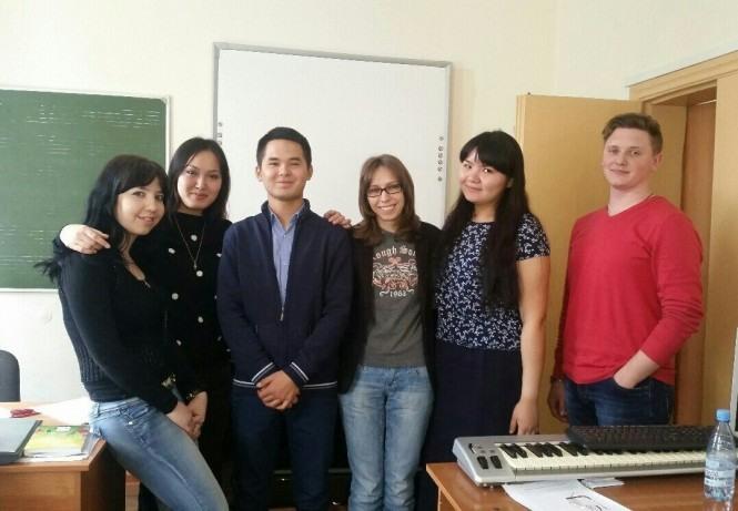 Дархан Куанов и студенты-музыковеды
