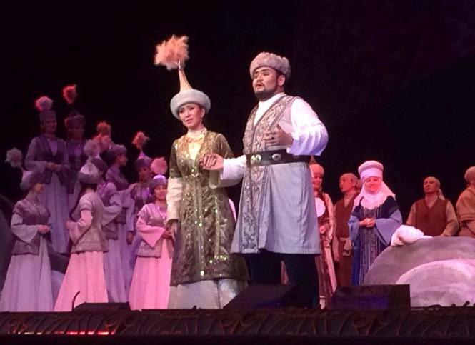 опера Биржан и Сара