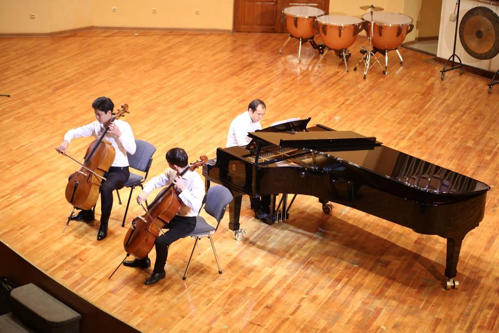Трио: Эльдар Айтбеков, Максат Нуранов, Кайсар Архаров