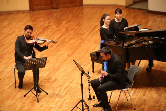 8 пьес для кларнета, альта и фортепиано Op.83 Макса Бруха