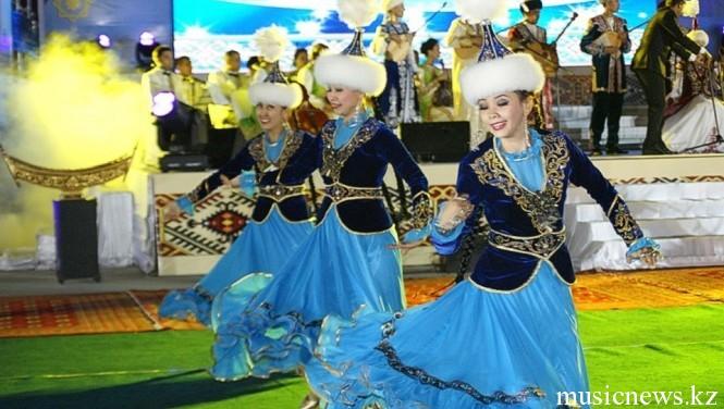 фольклорный танцевальный коллектив