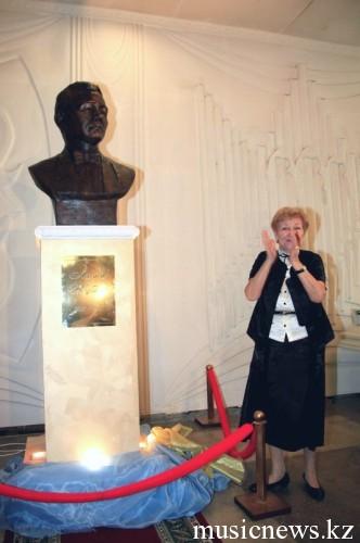на открытии мемориала Академика Ахмета Жубанова