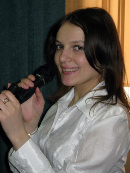 Анна Макаренко, центр Участие