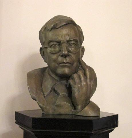 Бюст Д.Д.Шостаковича. Скульптор Ваше Согоян