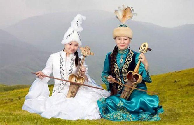 Тогжан Каратаи и Раушан Оразбаева