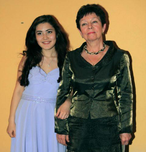 Ж. Байназарова с педагогом В.М. Тимофеевой